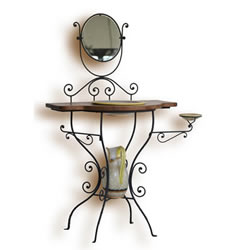 Letto in ferro fatto a mano, sedie, tavolini e luci in ferro battuto ...